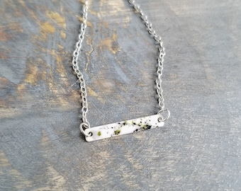 Bar Necklace - White/Green/Black