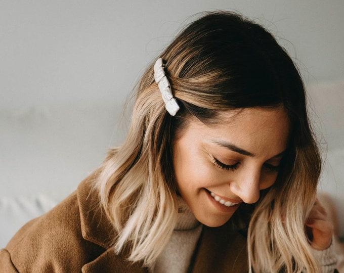 Lily hair clip