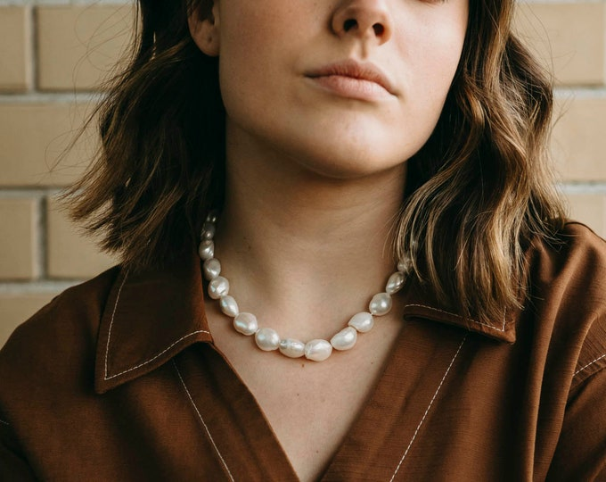 Vicky Pearl Necklace