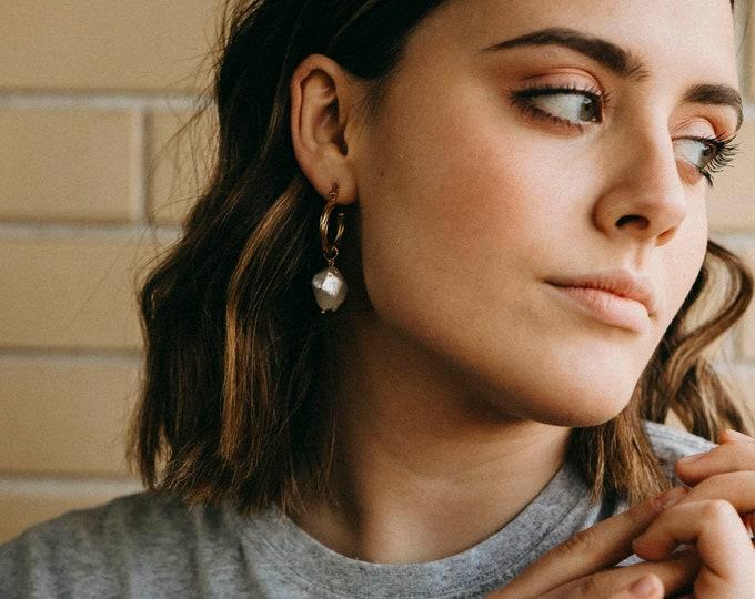 Anitta pearl earrings