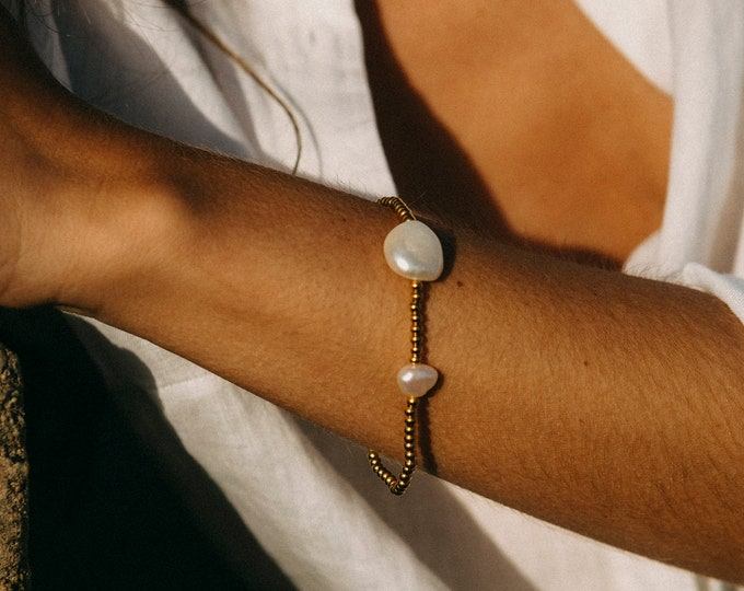 Diana Pearl Bracelet