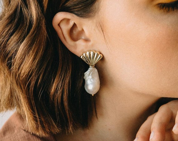 Concha Earrings