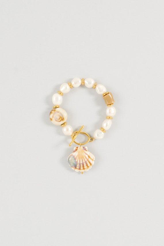 Shelly Bracelet