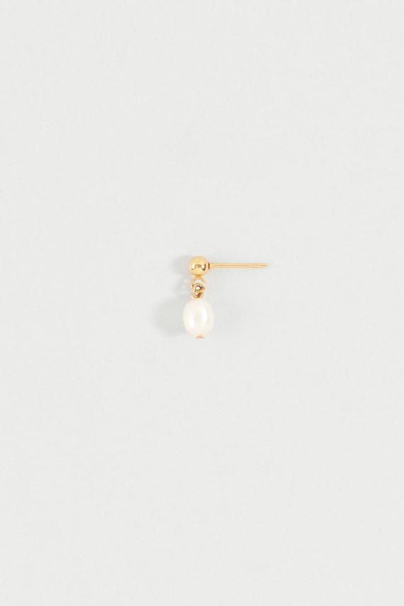 Tiny Pearl Earring