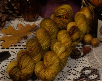 Hand Dyed Yarn, DK Weight Yarn - 100% Superwash Merino Wool - Variegated - Speckled - Key Colorway
