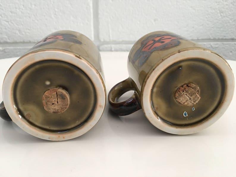 Vintage Hand Painted Ceramic Olive Flower Salt /& Pepper Shaker Set