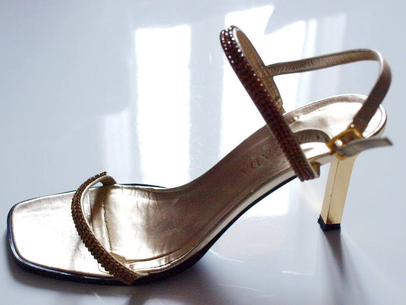 5d6db96233533 Escada Women Shoes Sandals Gold Leather Heels Vintage Size 37 1/2 C Made in  Italy
