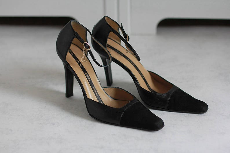 ad96b61175ad9 Gucci Women's Pumps Black Suede Leather Heels Vintage Shoes Size 38,5 C  Made in Italy