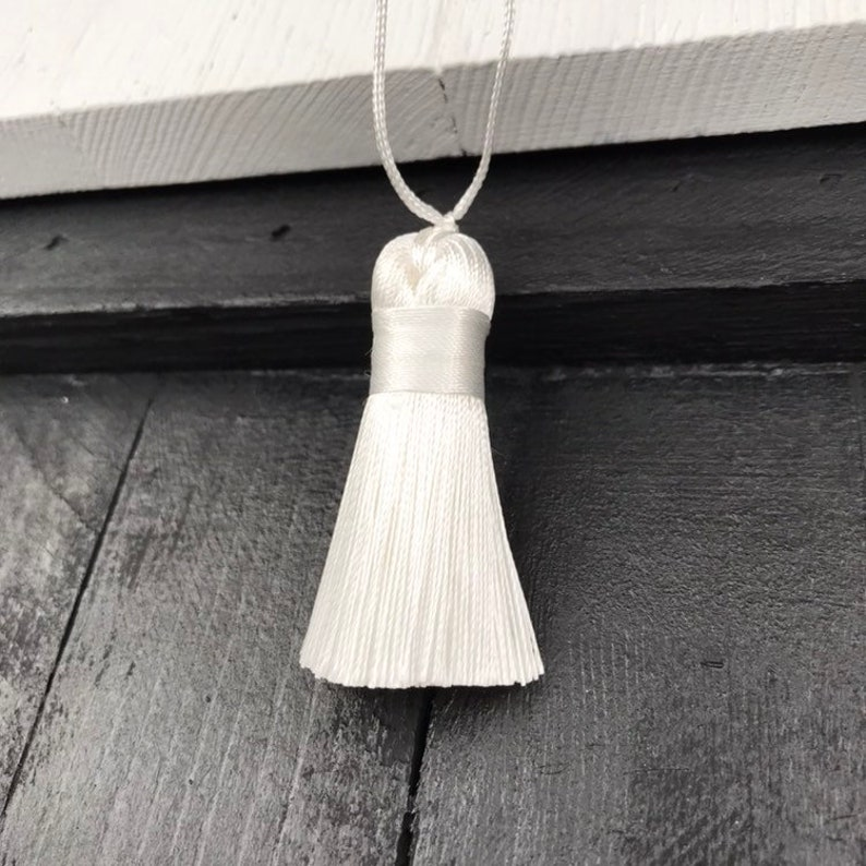 ONE 50mm White Fat Tassel DIY Handbags Dresses Costumes Cushions Purse Keychain Earrings Anklet Yoga Mala Necklace Bohemian Jewelry Findings