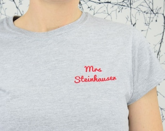 "Women's T-Shirt with custom Name print ""Mrs"" Grey T-Shirt, flake print"