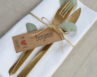 Vintage pendant for favors to wedding table card, name card, place card, individually printed
