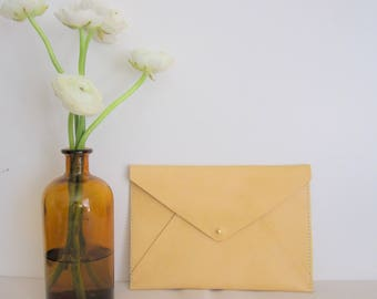 A5 envelope clutch / makeup bag / case leather Kindle / Tablet cover / minimalist /Leather Envelope Clutch