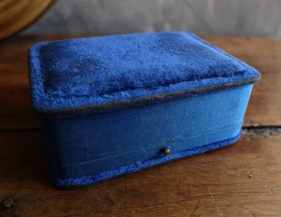 Antique Velvet Jewelry Box/ Storage Box/ Ring, Ear