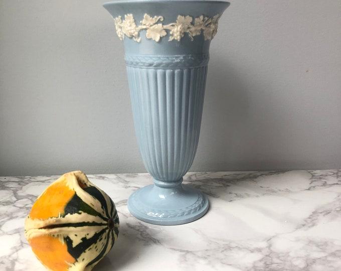 Vintage Wedgwood Queensware vase