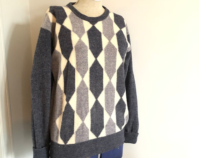 Vintage Jaegar sweater 100% lambswool - M