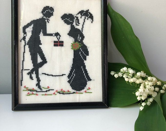 "Vintage framed cross stitch silhouette art of Edwardian couple 7 3/4 x 9 3/4"""