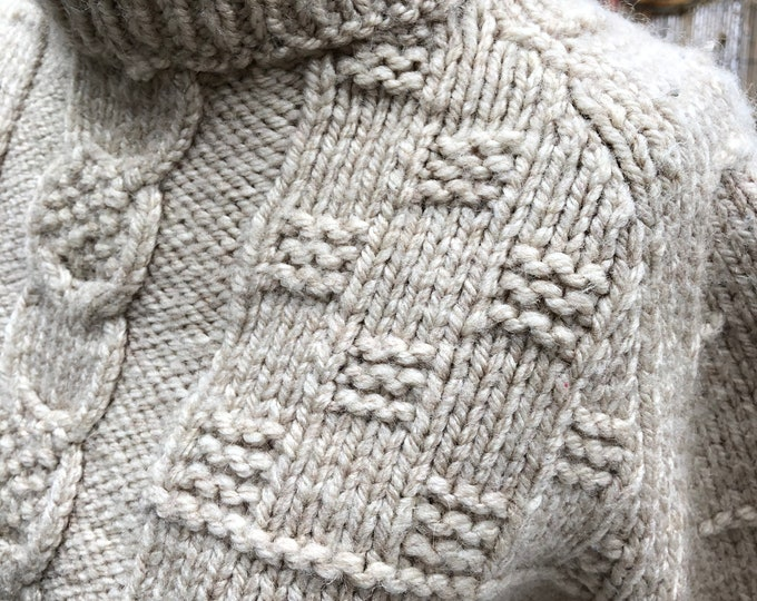Vintage handmade heavy wool turtle neck sweater grey/cream