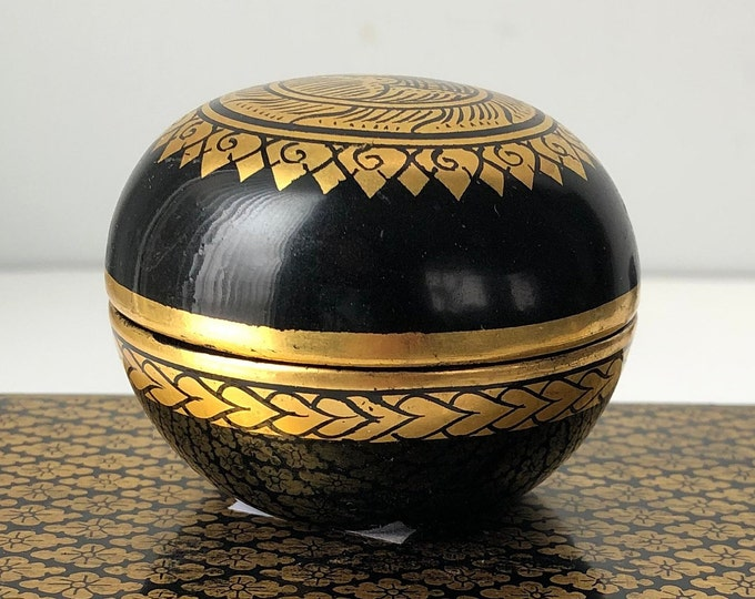 Black and gold  round  lidded lacquer box