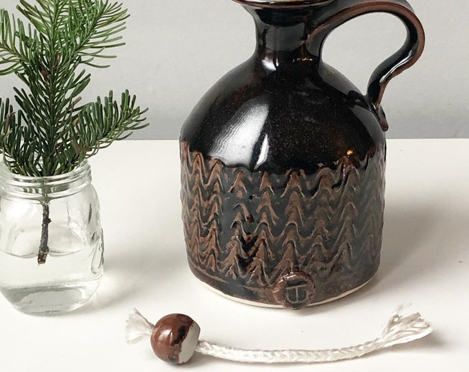 Pottery oil lamp