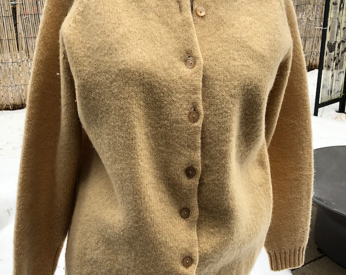 Vintage Peter Scott cardigan Pure wool. Scotland.