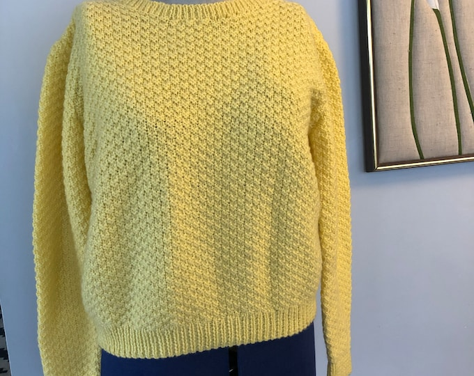 Vintage Hand Knit pale yellow crew neck sweater Women's M/L