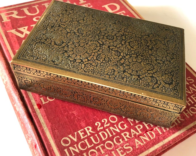 Vintage Kinco ornate brass cigarette box with a cedar wood lining. c1926-1939