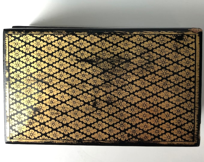 Black and gold  rectangle lidded lacquer box