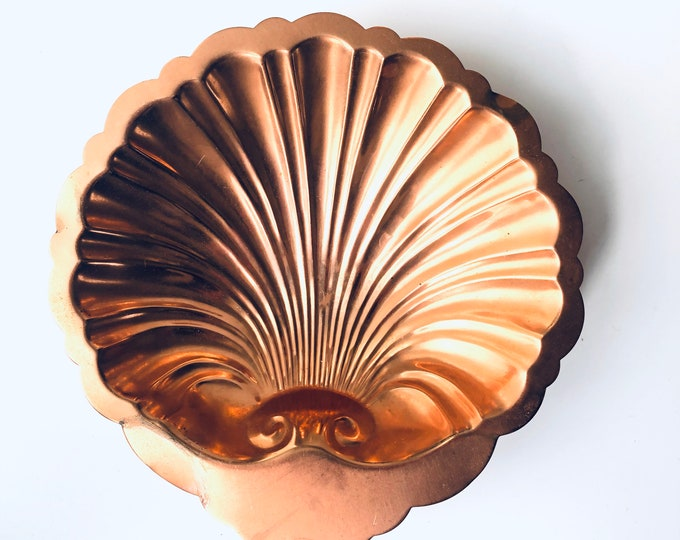 Vintage Copper shell shaped trinket candy dish