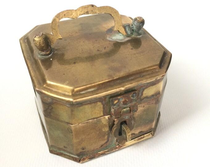 Vintage Brass Pandan/betelnut hinged box.