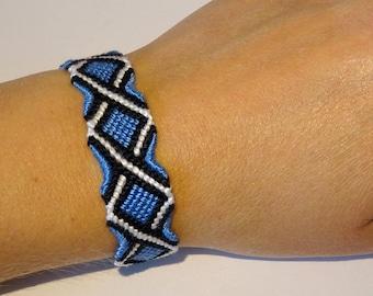 Friendship bracelet - macrame hippie cotton gypsy ethnic boho bohemian bresilien beachwear ibiza surfer wristband