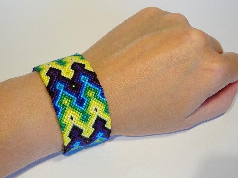 Friendship bracelet  bresilien macrame tribal ethnic aztec Green/blue/yellow