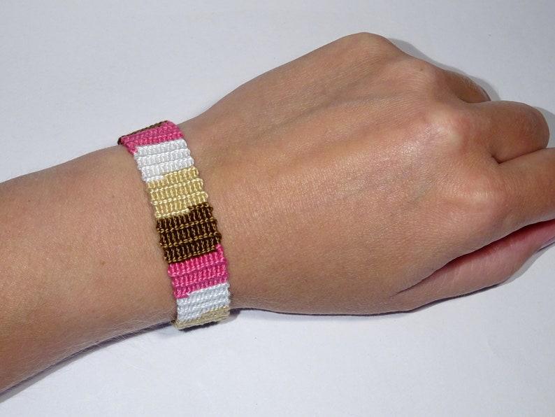 image 0 white/brown/pink