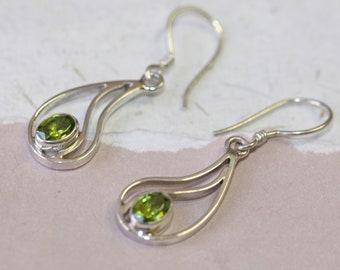 21e1574aa1c67 Peridot earrings | Etsy