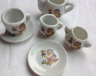 Miniature teddy bear tea set