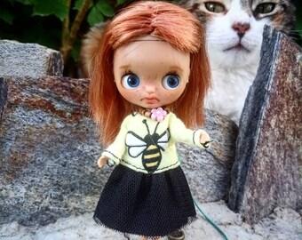 Bee Happy dress for Petite Blythe