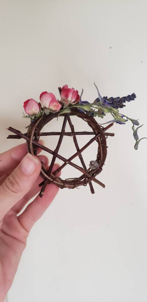 """Willow Wreath Protective Charm 3"""""""