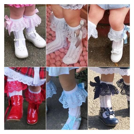 Size 6-8.5 // 23-26 White Frilly Socks