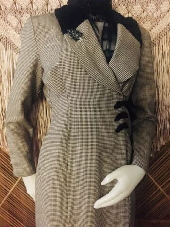 40s Inspired Black and White Mini Houndstooth Chec