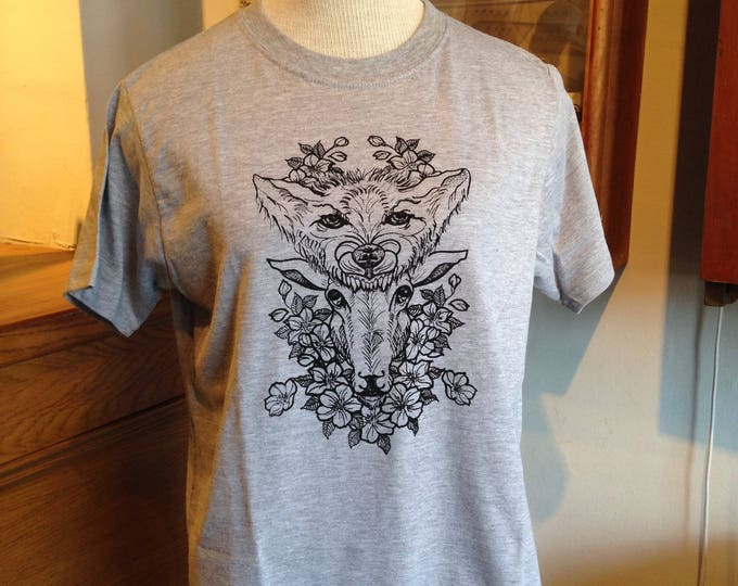 Unisex tshirt,  Hand printed by SUSYRTATTOO. One of a kind wolf and sheep tattoo design on grey 100% cotton tshirt, Size: S