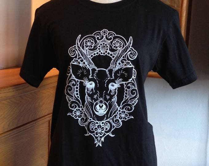 Unisex tshirt, Hand printed by SUSYRTATTOO. One of a kind DEER in cameo tattoo design, 100% cotton softstyle BLACK tshirt, size S