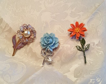 Beautiful set of 3 Victorian flower brooches.