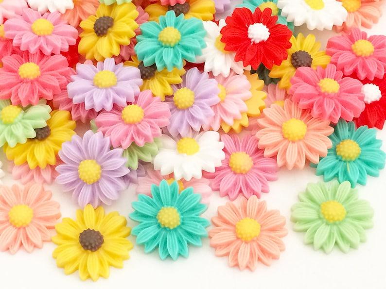 1955dc9d65f9c 15 pcs 22mm Sunflower Cabochons - Rainbow Colors (15 pcs by Random) Kawaii  Floral Deco Resin Flat Back Decoden Cell Phone