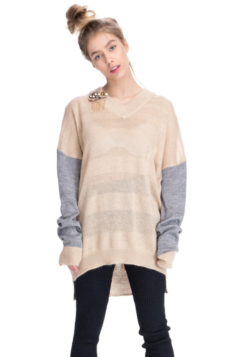 1e8bb2d24b Fin col en v pull en maille beige tricot pull tricot fin   Etsy