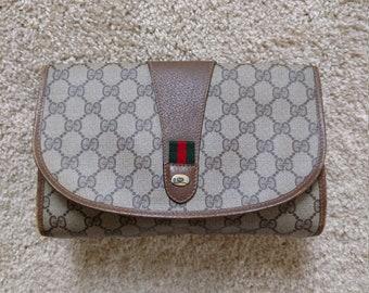 e5012e9d4e39 Brown & Beige Small Vintage Gucci Clutch Monogram Logo Handbag Cosmetic  Makeup Bag