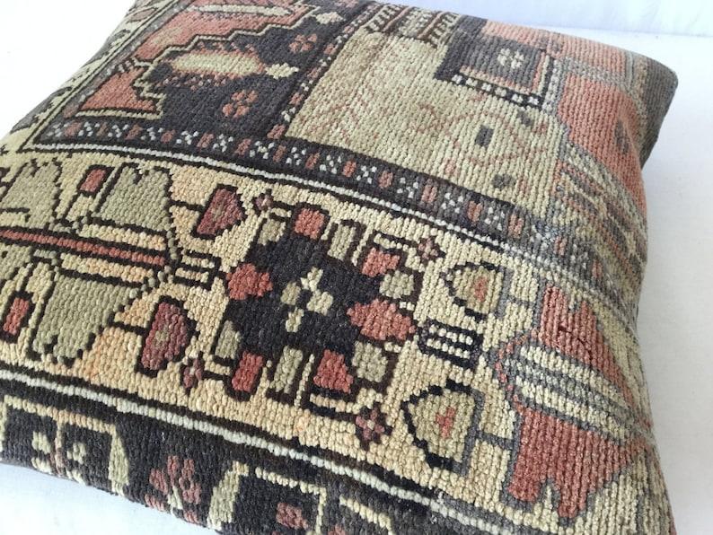 kilim rug carpet pillow kilim pillow turkish kilim pillow rug pillow antique pillow 16x24 in\u00e7 turkish kilim rug 40x60cm