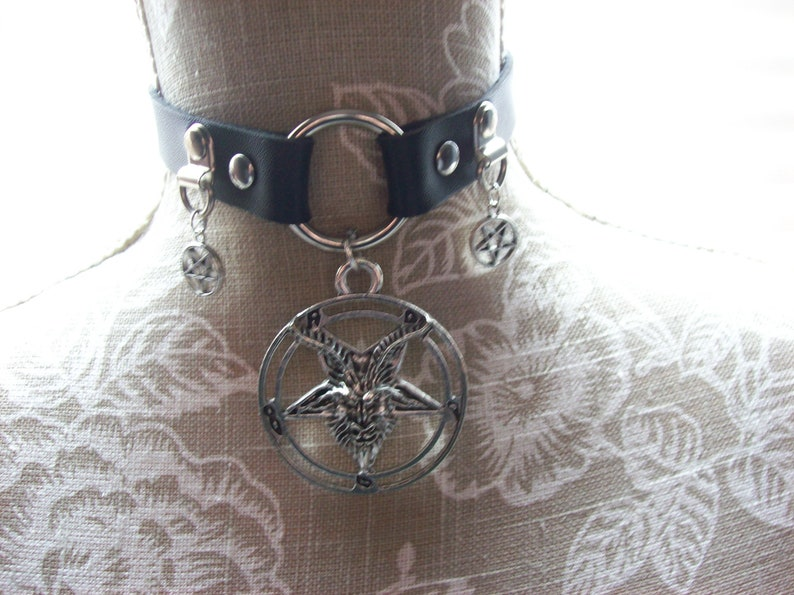 Kawaii Nu Goth Gothic Witchy  Satanic Black Faux Leather O ring Collar with stainless steal Goat of Mendes Detail with inverted pentagrams