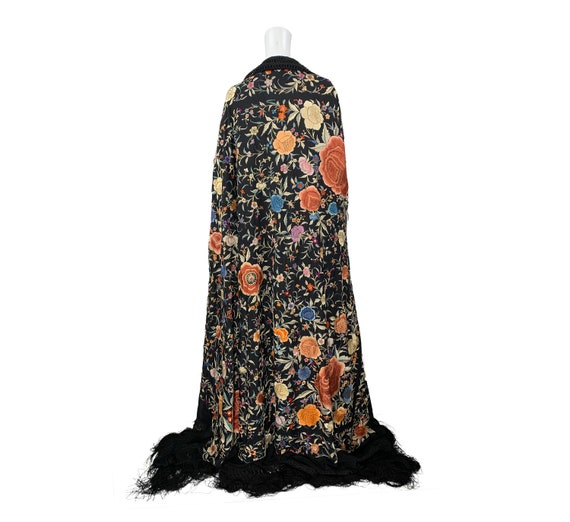1920s Embroidered Shawl