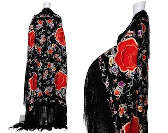 1920s Floral Embroidered Piano Shawl