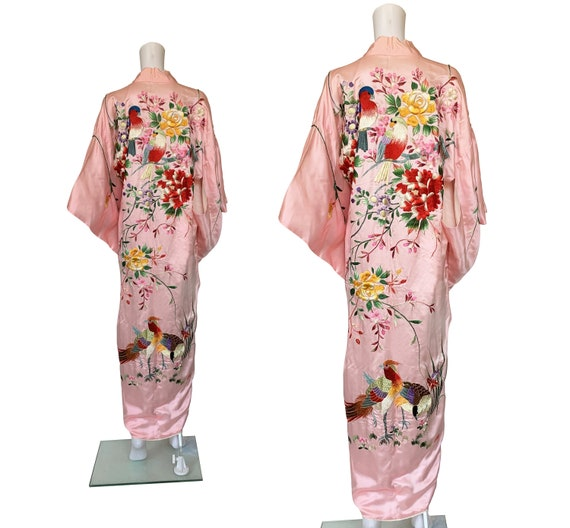 SOLD - 1950s Embroidered Kimono - SOLD