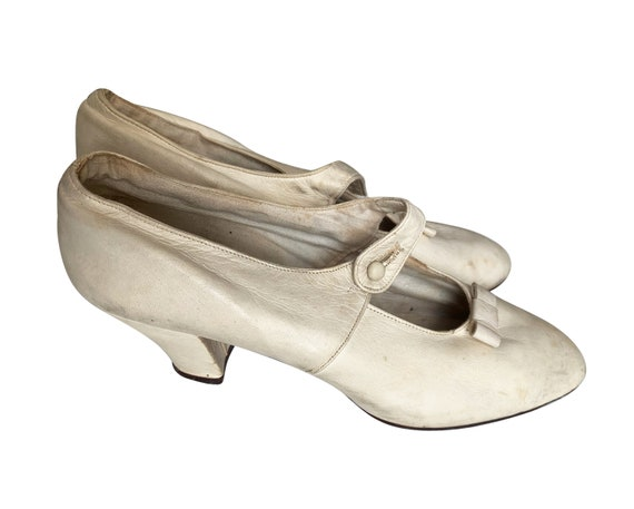 1920s Cream Leather Shoes